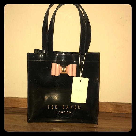 7a4b3b119aa ... bow detail small icon bag🎀. NWT. Ted Baker London.  M_5b4e457e1b16db358c1d4281. M_5b4e4680d6716ae4c5c7545a